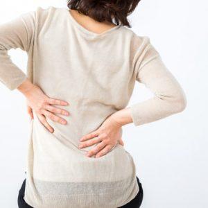 腰痛を改善するにはいつもの寝方に一工夫 するだけです。