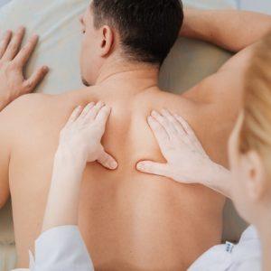 筋肉を痛めるのはどっち?動かし過ぎ?動かさな過ぎ?