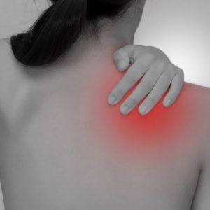 注射や痛み止めを使っても改善しなかった五十肩(四十肩)。