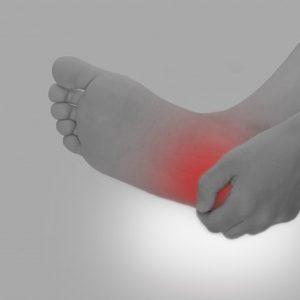 朝起きて足の裏が痛いのは足底筋膜炎(腱膜炎)が原因!