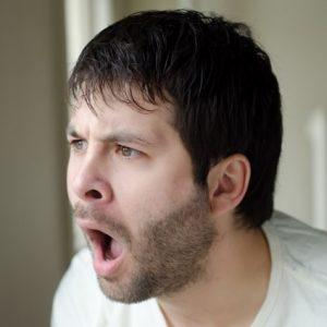 あくびをして顎が外れた!原因と対策