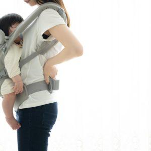産後の腰痛は骨盤の関節が歪んでいるから!?